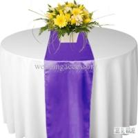Chemin de table satin Violet Pourpre - NSE Location  2.00€