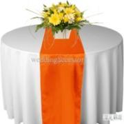 Chemin de table satin Orange - NSE Location  2.00€