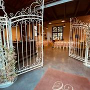 Arche et portail pour l'entrée de cérémonie de mariage