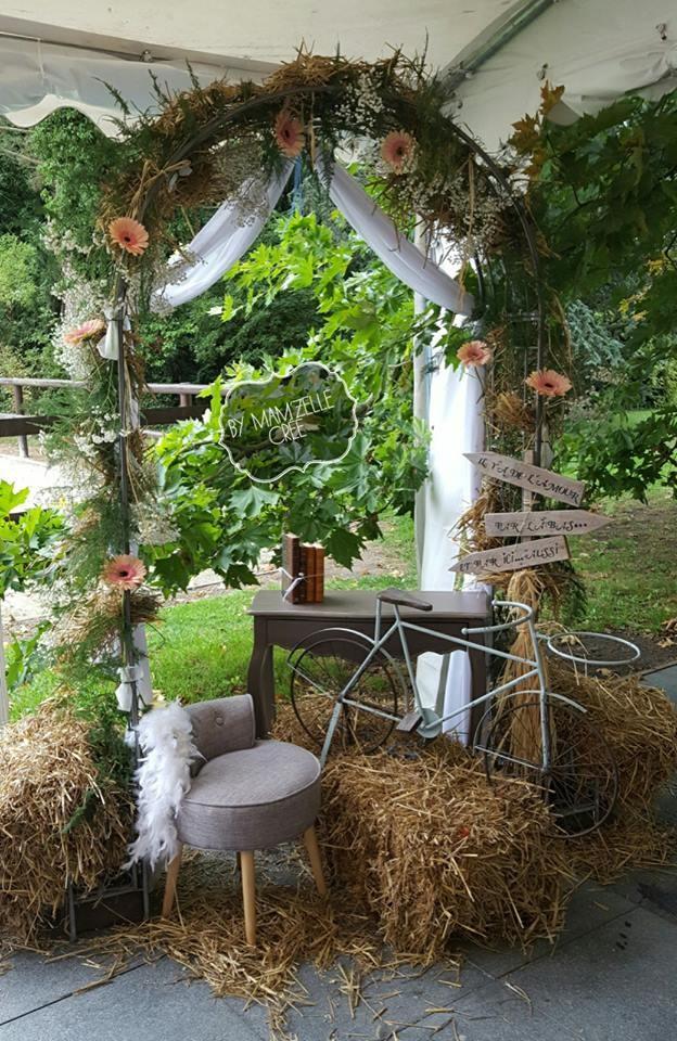 Inspiration photobooth champêtre avec une arche