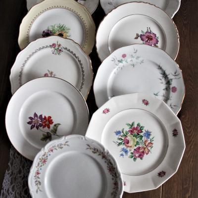 Assiettes vaisselle dépareillée vintage