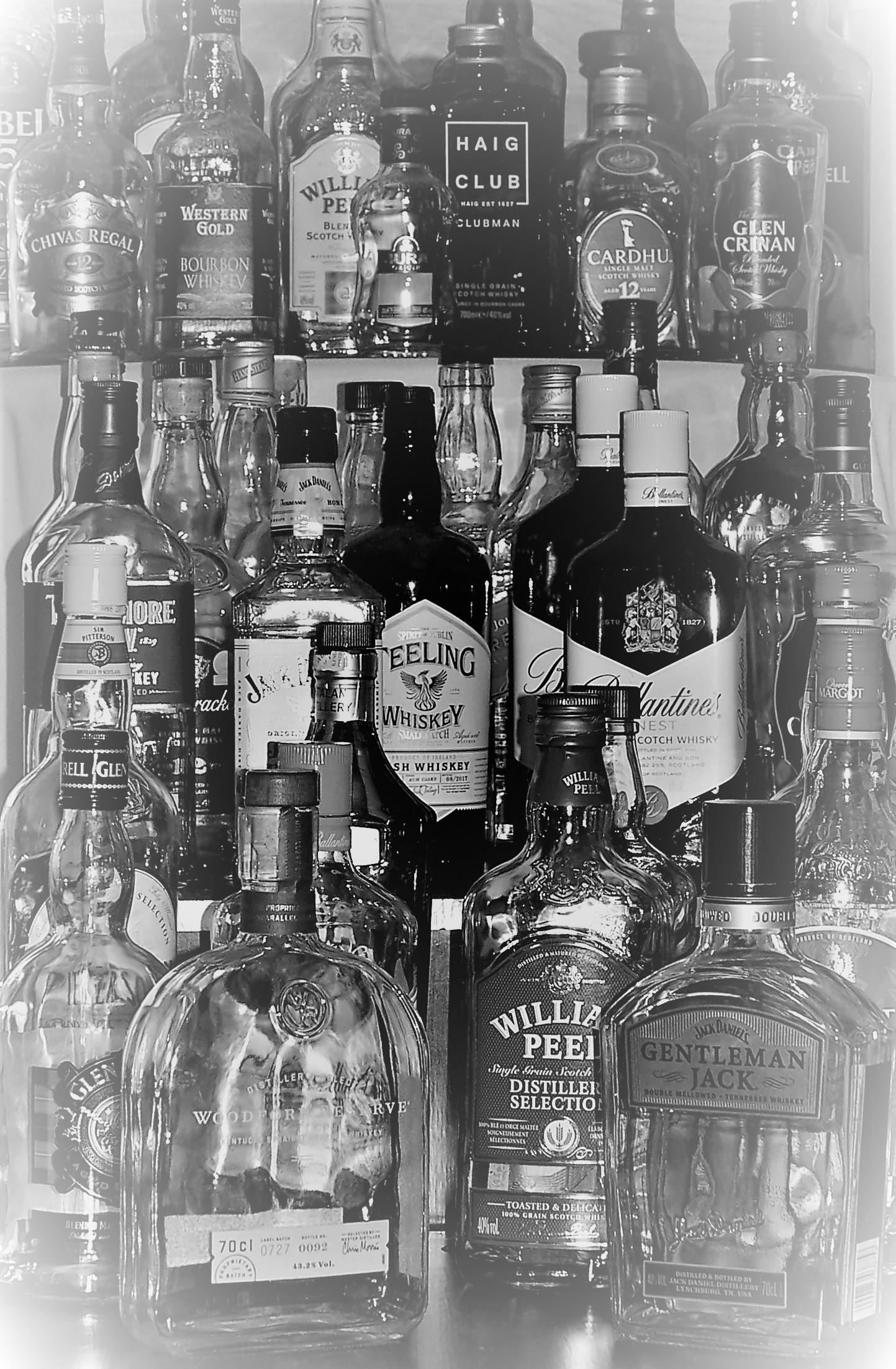 Location bouteille de Whisky  - 1.00€ piéce