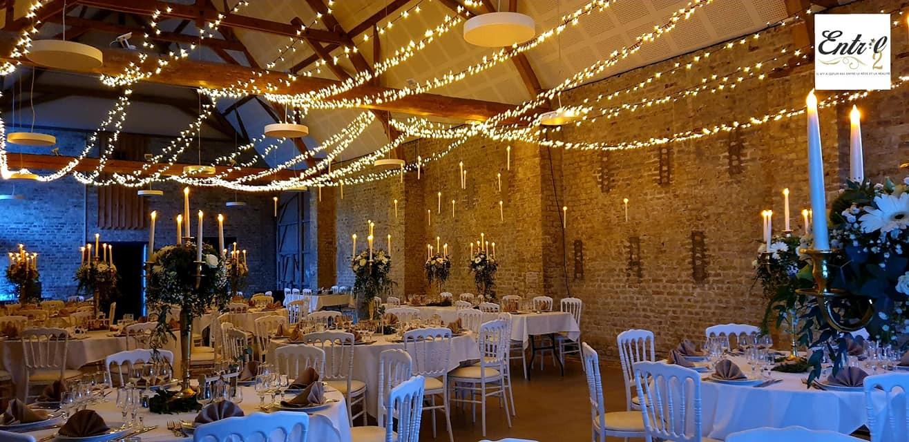 Déco plafond de salle avec guirlandes lucioles