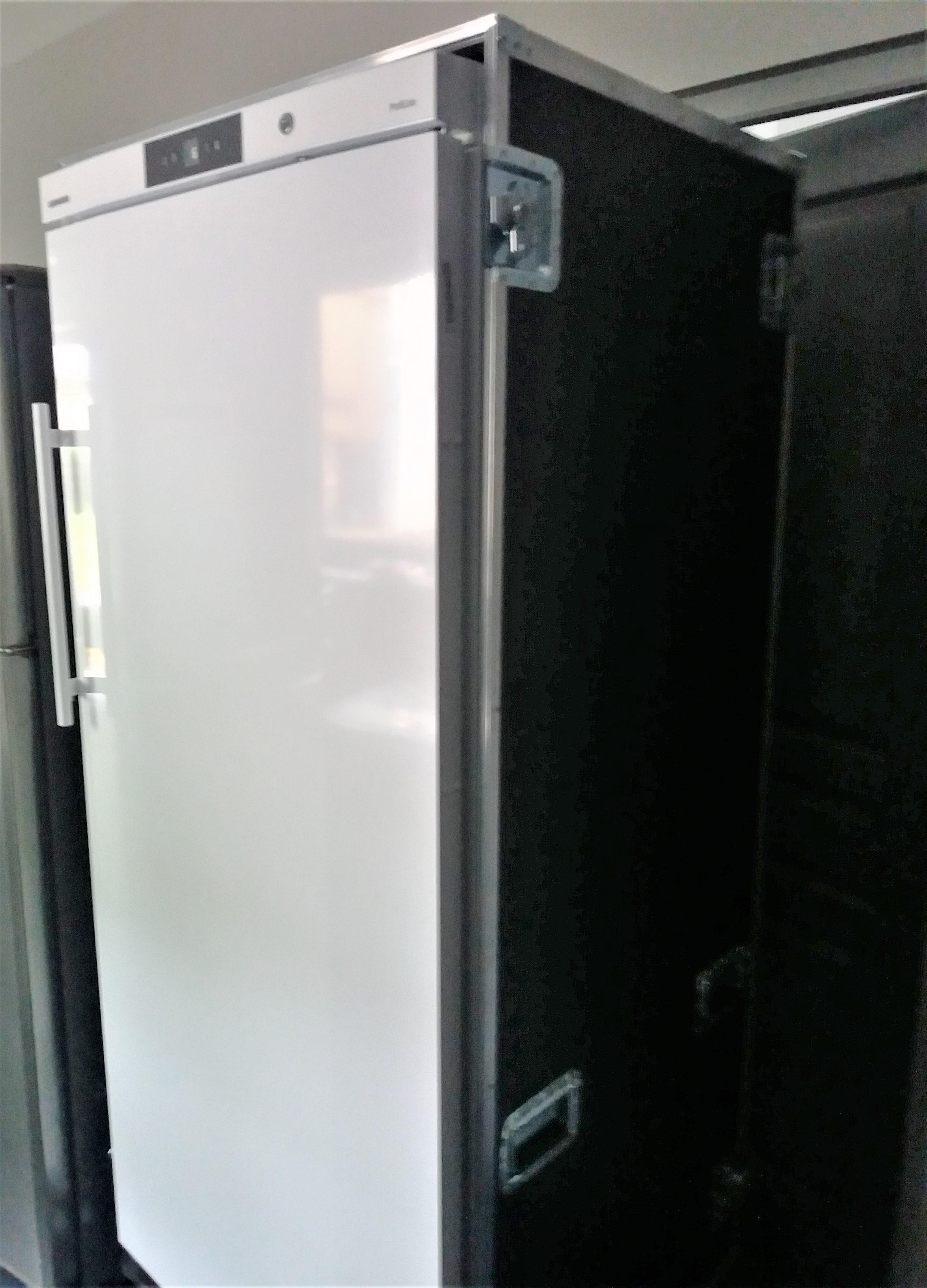 Armoire réfrigérée positive GN2/1 LIEBHERR 583L en flight-case