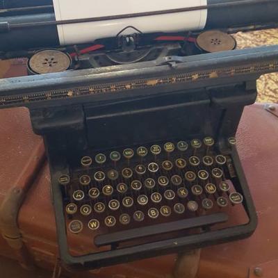 Machine à écrire NSE  6.00€
