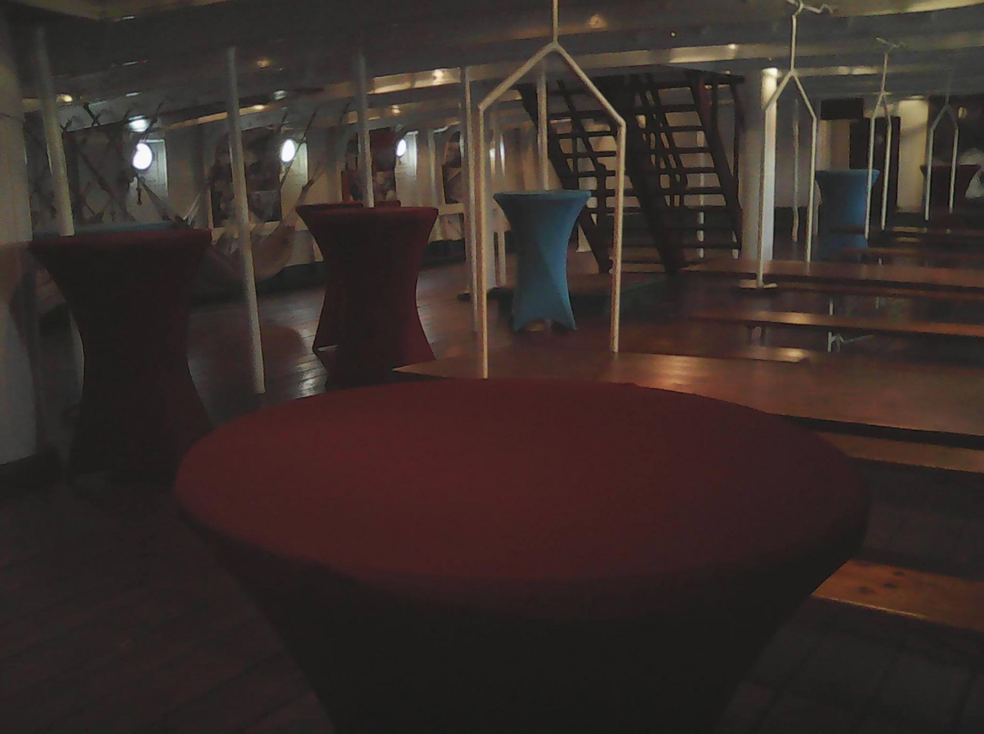 Mange-debout sur la Duchesse Anne - NSE Location