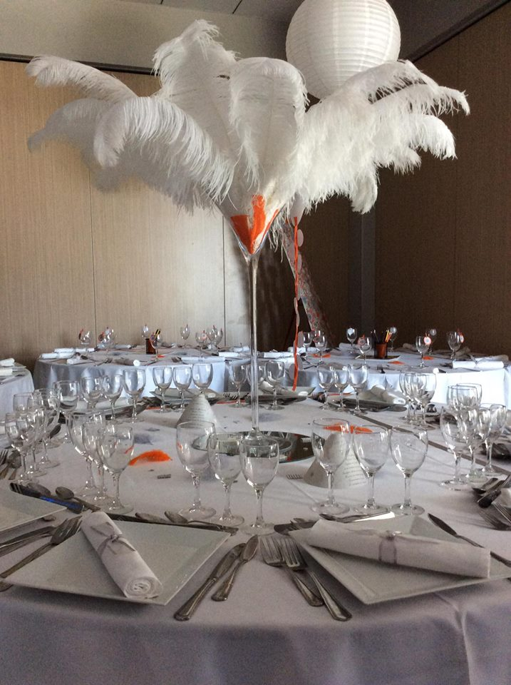 Martini avec plumes blanches - NSE Location