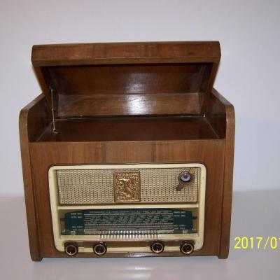 Gramophone et Poste Radio ancien