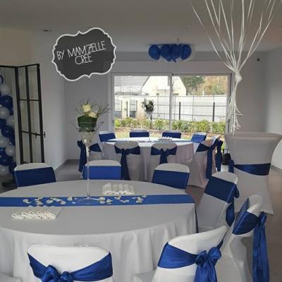 Chemin de table satin bleu roi NSE Location