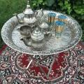 Service à thé sur plateau oriental