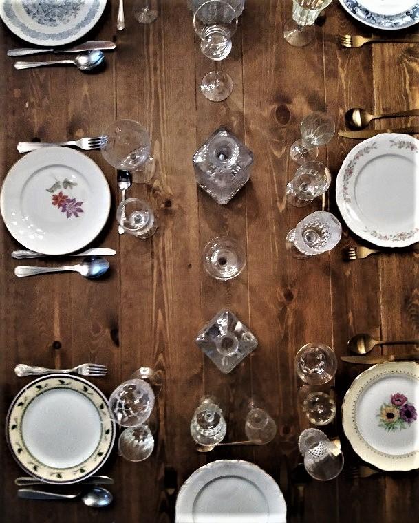 Inspiration vaisselle vintage dépareillée
