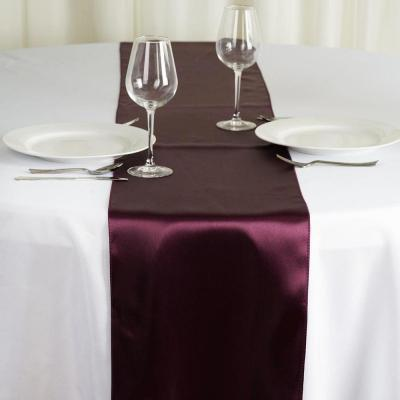 Chemin de table satin aubergine nse location