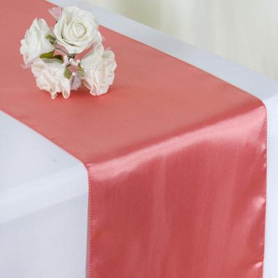 Chemin de table satin rose quartz nse location