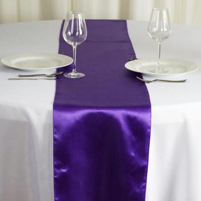 Chemin de table satin violet nse location