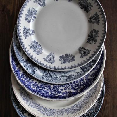 Vaisselle ancienne bleue